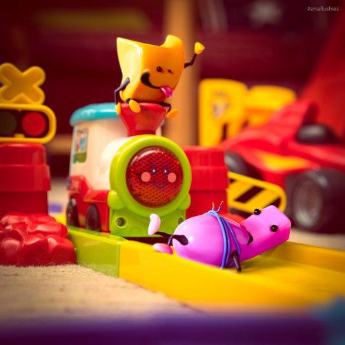 Una ilustración de juguetes en el tren