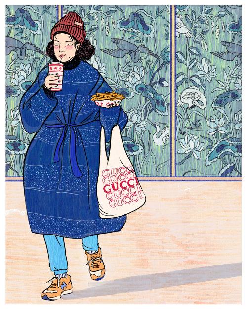 Fashion women with Gucci bag