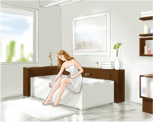mujer sentada en el baño