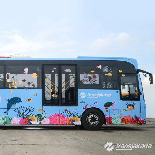 公共汽车上的海洋图形