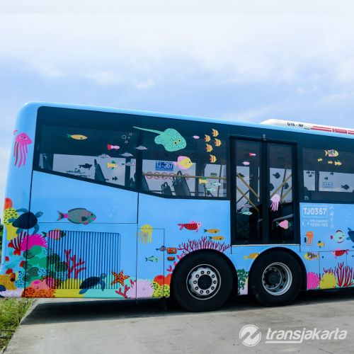 Ocean decorative on bus