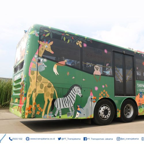 Animals graphic on bus