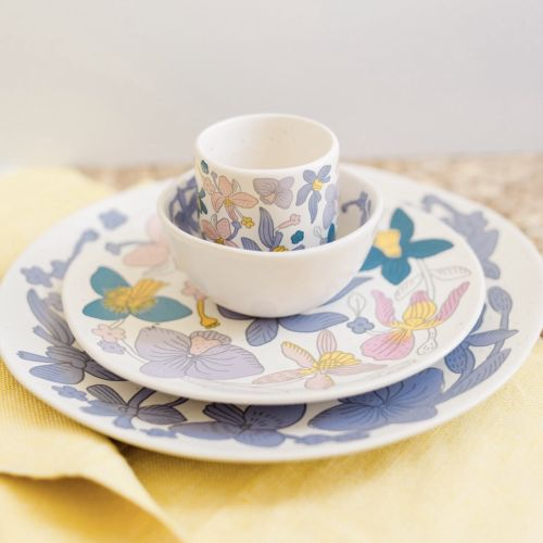 Graphic print on crockery