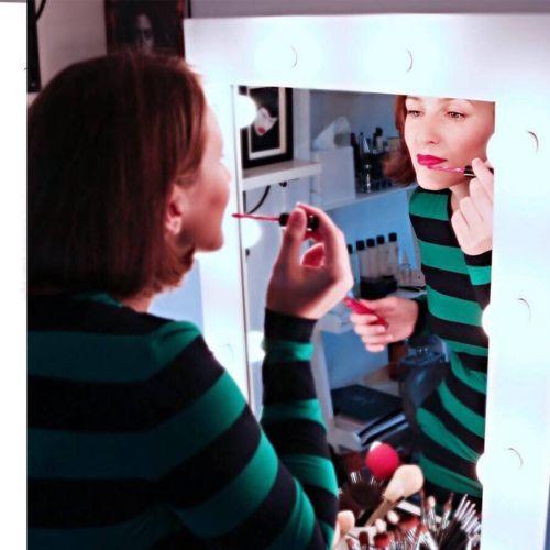 Chanel make up illustration