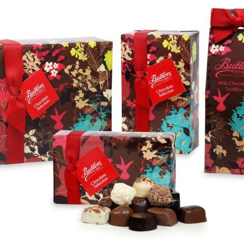 Flowers print on chocolate packaging by Ella Tjader