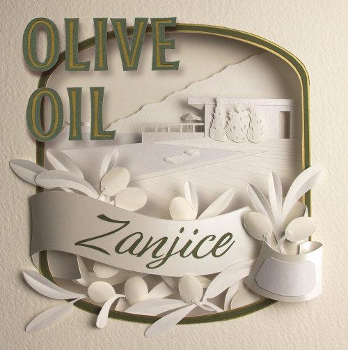 Escultura de papel escena de vacaciones con olivos y paisaje