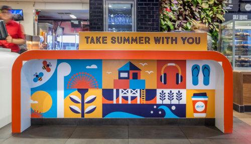 Ilustração de verão na parede da rua