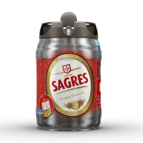CGI Rendering Of Sagres Beer Bottle
