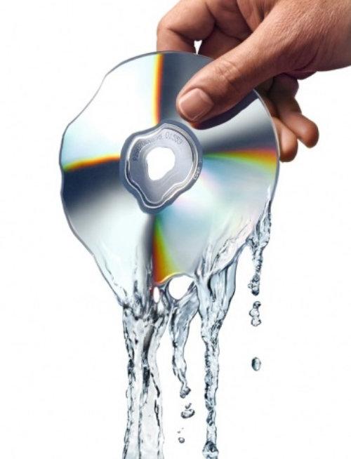 Pouring CD Digital Illustration