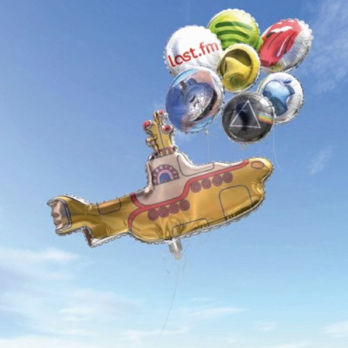 Contemporary art of balloon ship