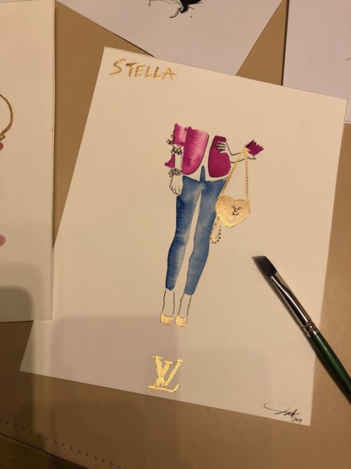 Live event drawing stylish jeans