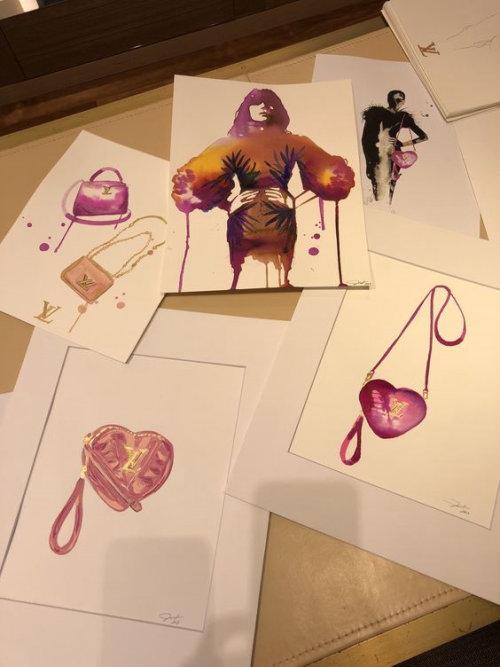 Live event drawing of stylish handbags