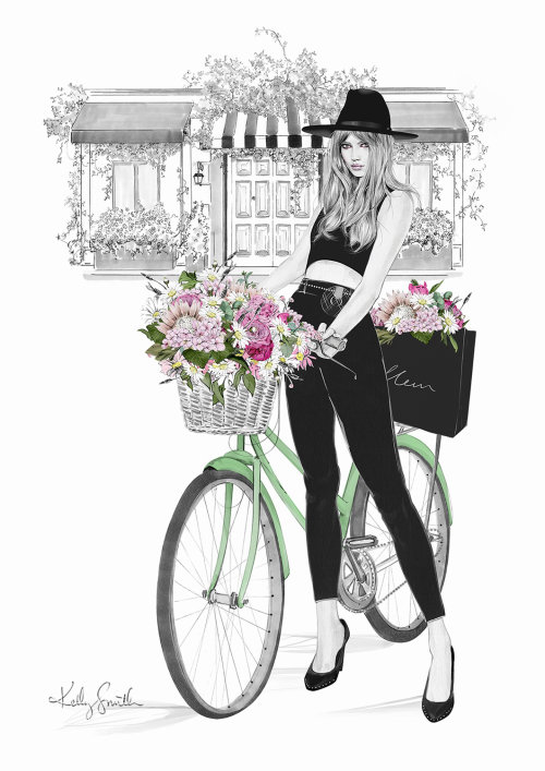 mulher com flores na bicicleta