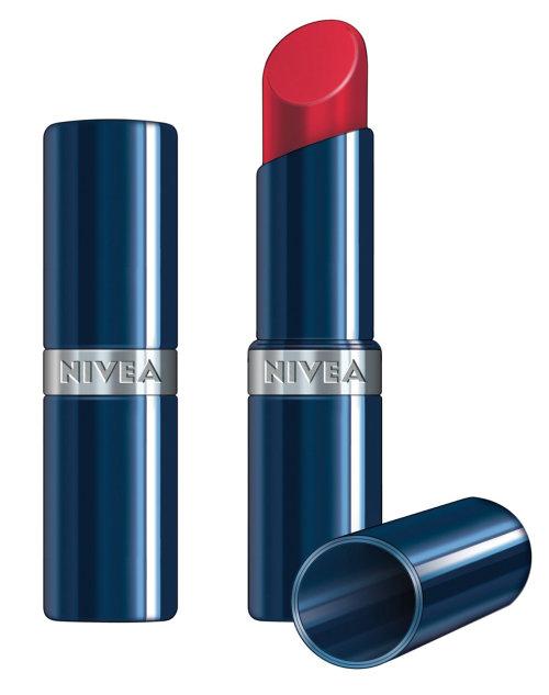 envase realista de lápiz labial nivea