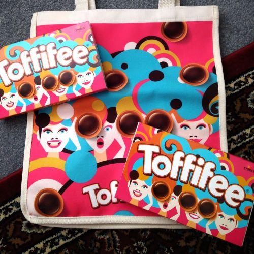 Packaging illustration of toffifee chocolate box