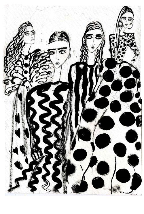 Fashion black & White model dresses