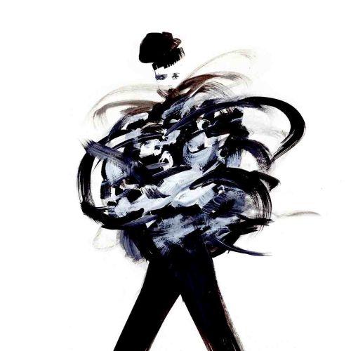 Fashion-woman-walking