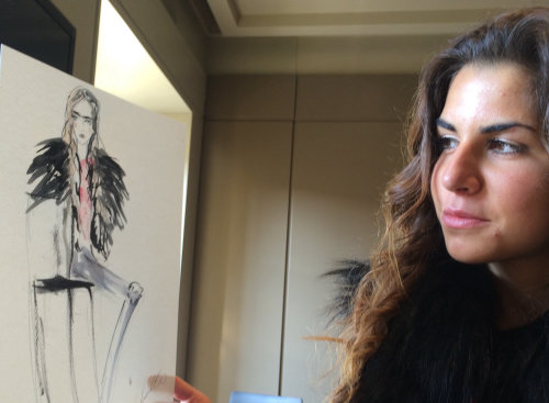 live event drawing woman showing art