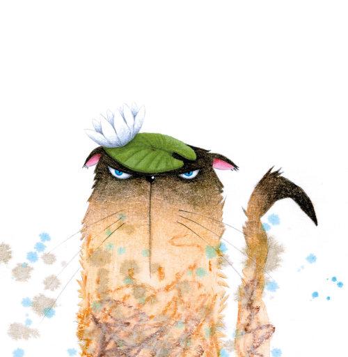 Gato molhado e irritado com um lírio d'água na cabeça