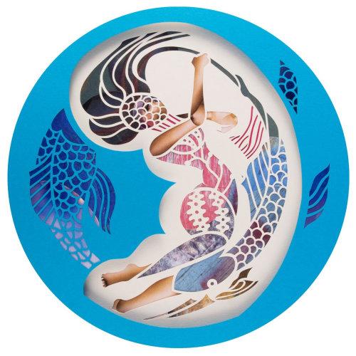 Ilustração de mulher por Mayuko Fujino