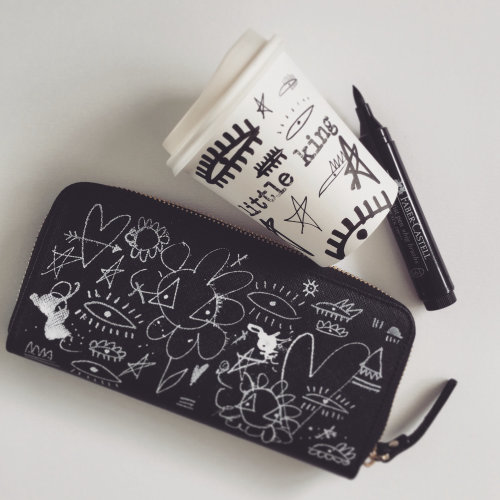 Black and White art on purse