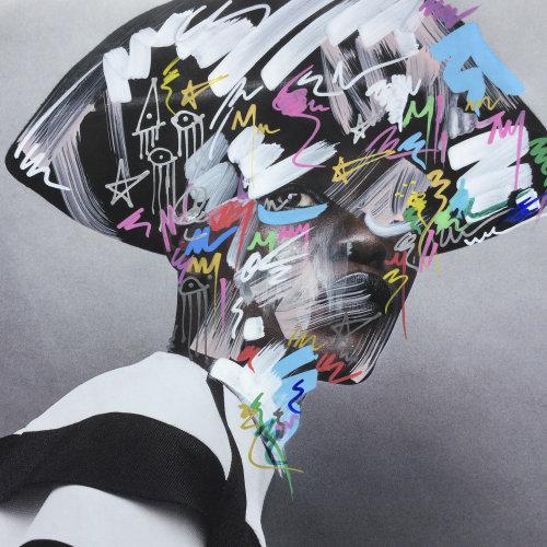 Graphic multi pattern head