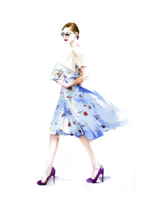 Beauté de la mode avec une robe à fleurs