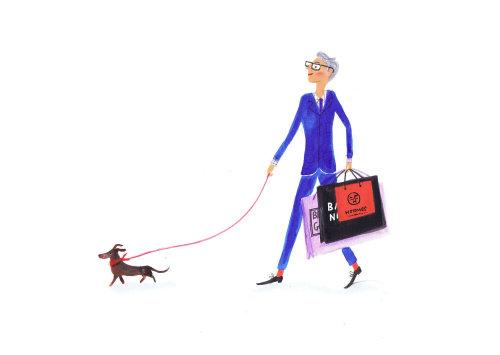 homme en costume bleu marchant avec chien