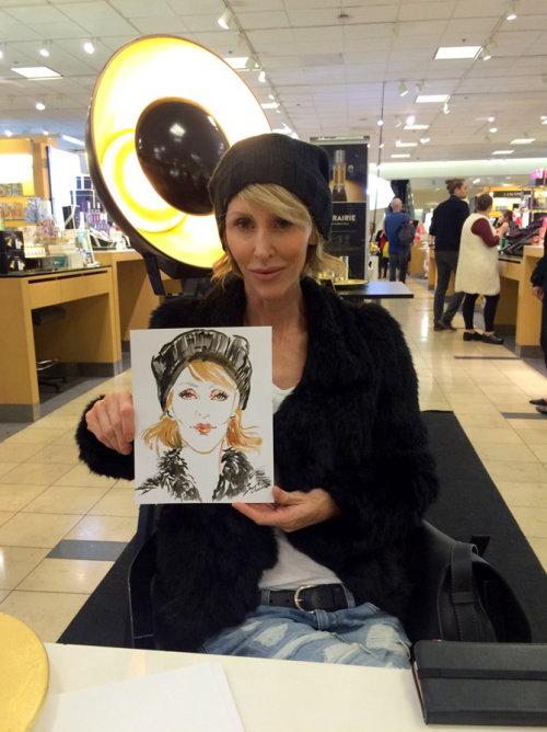 Evento ao vivo desenhando retrato de mulher com tampa