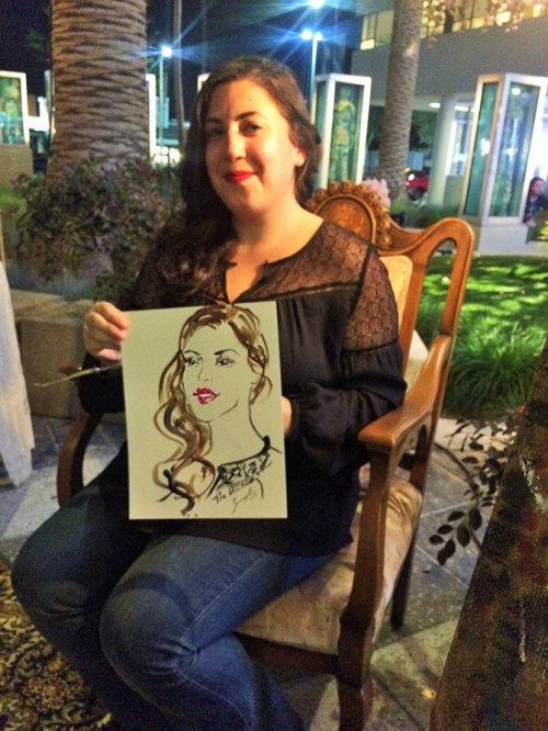 Evento ao vivo desenhando uma mulher com seu retrato