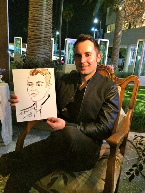 Evento ao vivo desenhando um homem com seu retrato