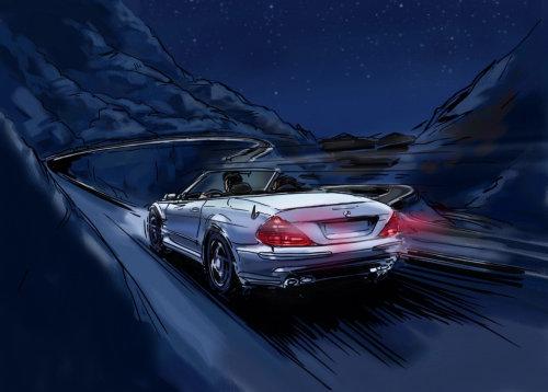 白色的汽车在山路上行驶,背景中的山脉,车辆背面的红灯