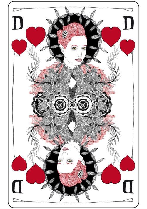 美在扑克牌的心
