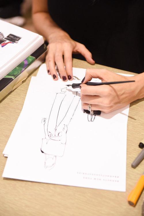 Evento en vivo dibujando moda mujer