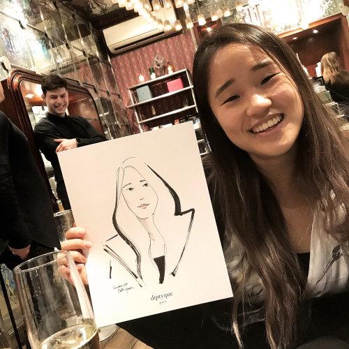 Evento en vivo dibujo dibujo de adolescente sonriente
