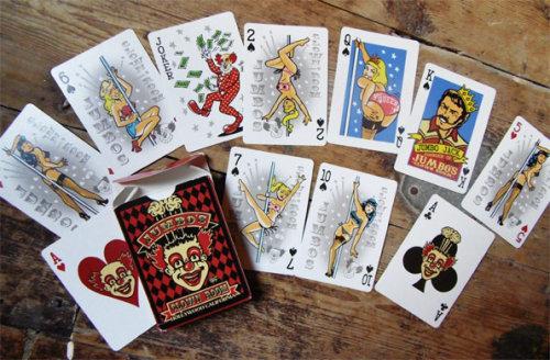 Ilustração pop de cartas de jogar de Vince Ray