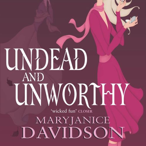 Book Cover, Undead Series by Mary Janice Davidson, Betsy applying lipstick, mansion and ghost of mot
