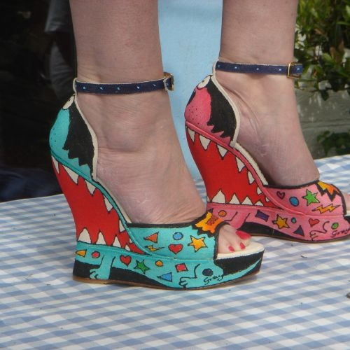 Wedge heels - An illustration by Gray Jolliffe